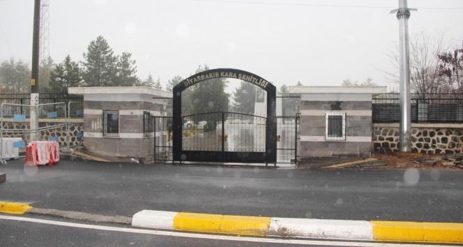 Şehitler mezarlığına EYP atıldı