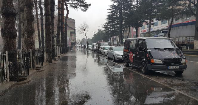 Tatvanda sağanak yağış etkili oluyor