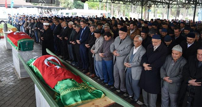 Adanadaki yurt yangınında ölen çocuk ile eğitmen toprağa verildi