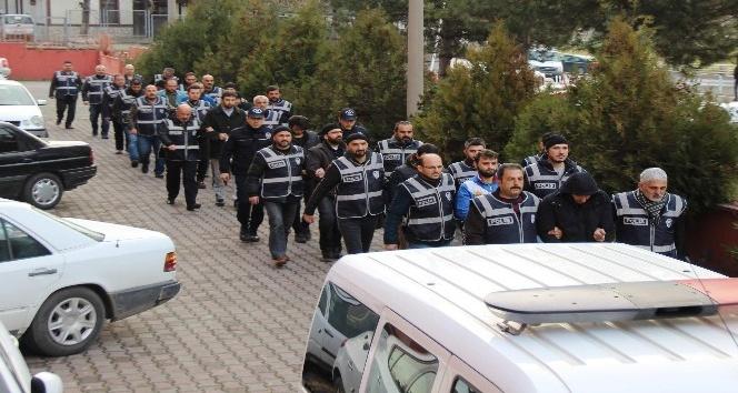 Karabük'te FETÖ operasyonun 12 kişi adliyeye sevk edildi