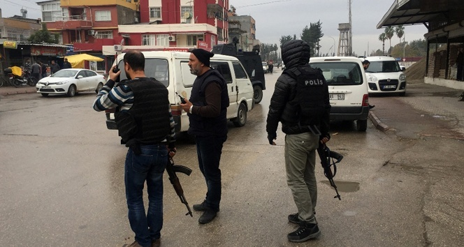 Adanada polise silahlı saldırı!