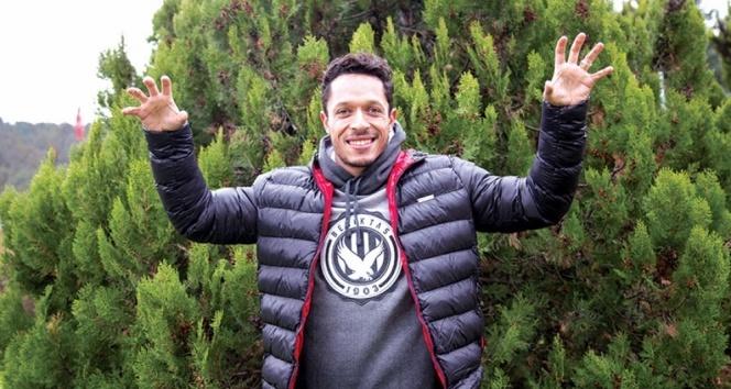 Adriano: Hedefim Beşiktaş tarihine geçmek
