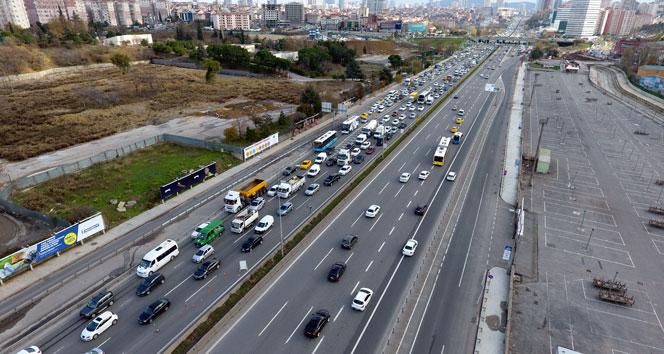 İBBnin bitmeyen çalışması Anadolu Yakasının trafiğini kilitledi