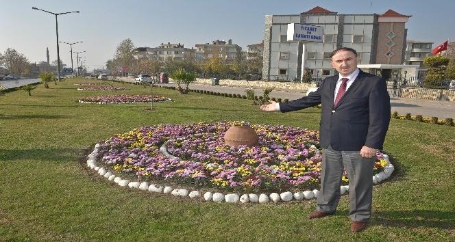 Mustafakemalpaşa'ya kış çiçeği