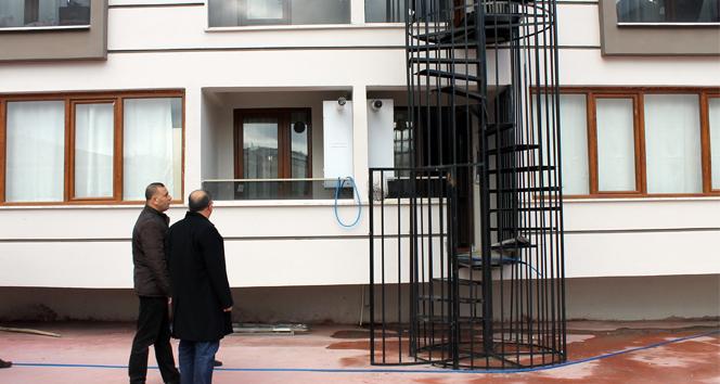 Türkiyedeki yangın merdiveni kapılarının kilitli olmasının nedeni