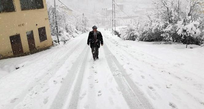 Sarıveliler ilçesinde okullara kar tatili