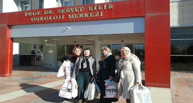 AK kadınlar onkoloji merkezini ziyaret etti