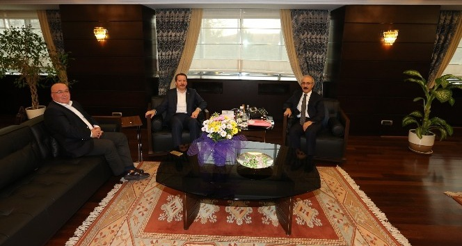 Memur-Sen, YPK kararı için Bakan Elvan ile görüştü