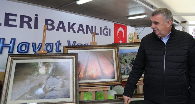 Başkan Toçoğlu, farkındalık stantını ziyaret etti