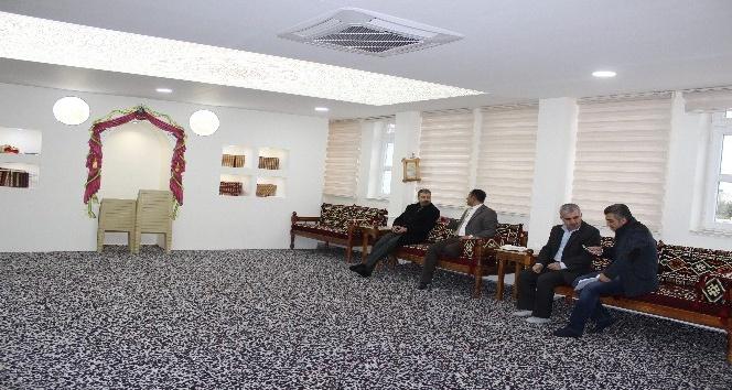 Başkan Dimez İmam Hatip Ortaokulundaki yenilikleri inceledi
