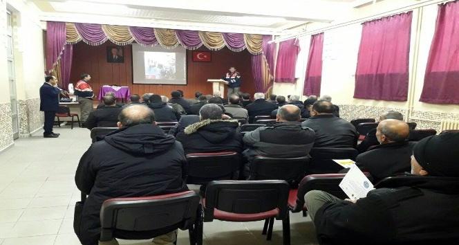 Kulu'da servis şoförlerine seminer verildi