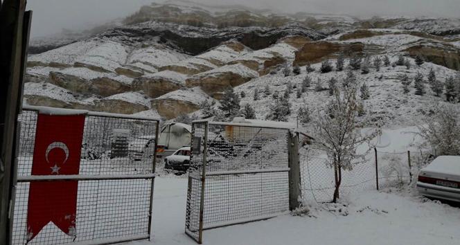 Sivasta kar yağışı etkili oldu