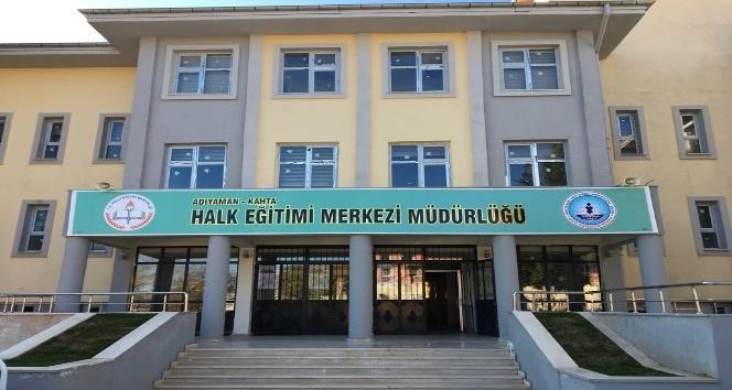 Halk eğitim merkezi müdürü yeni binasına taşındı
