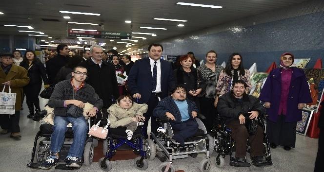 """Ankara Büyükşehirden """"Engelliler Günü"""" sergisi"""