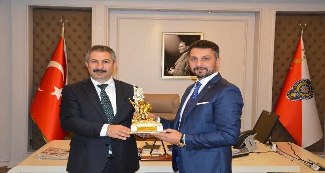 Başkan Yüzügüllü'den Eskişehir İl Emniyet Müdürü Dinç'e ziyaret