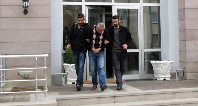 Sahte polisler mezarlıkta yakalandı