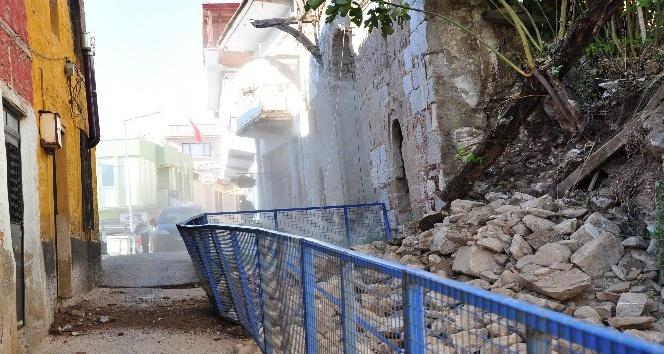 Milas'ta tarihi ev yıkıldı
