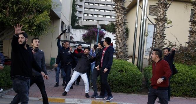 Akdeniz Üniversitesinde iki grup öğrenci arasında kavga