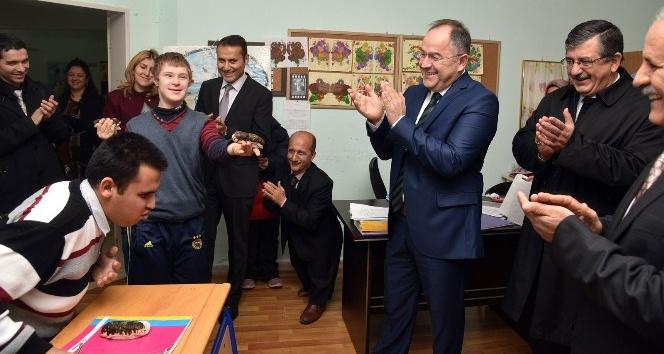 Engelliler Meclisi, engelli öğrencilerin yüzünü güldürdü