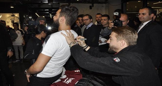 """Caner Erkin: """"Beşiktaş'ta kalmak istiyorum"""""""