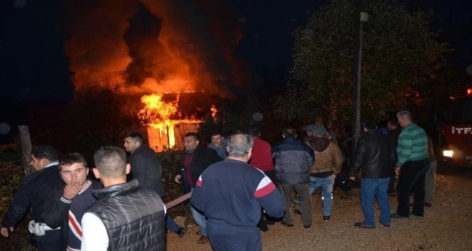 Aladağ'daki evde yangını korkuttu