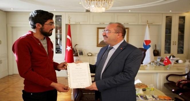 Ağrı İbrahim Çeçen Üniversitesi öğrencilerine YÖK'ten kutlama mektubu