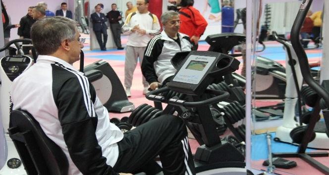 Elazığ'da kadınlardan sonra erkeklere de ücretsiz spor merkezi