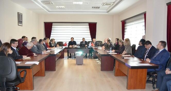 YÖK üyeleri rektörlük seçimi için Kırklareli Üniversitesi'ne geldi