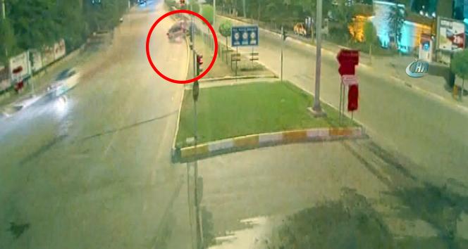 Ambulansla öğrenci servisi çarpıştı! Feci kazalar MOBESEde