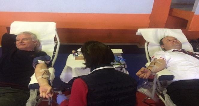 Edirne Yıldırım Beyazıt Anadolu Lisesi'nde kan bağışı