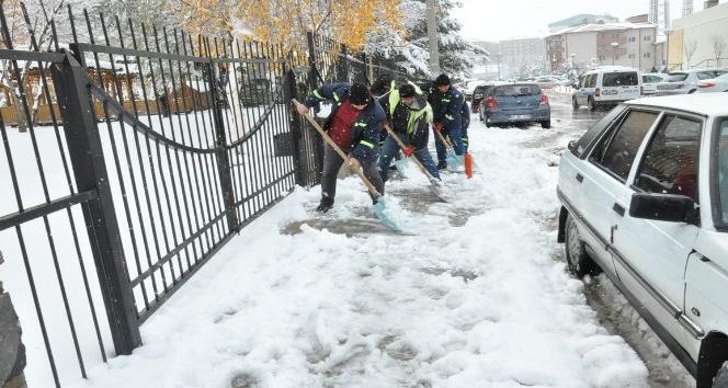 Palandöken Belediyesi karla mücadeleye başladı