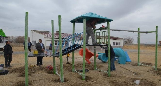 Günyüzü Belediyesinden parklara oyun gurubu