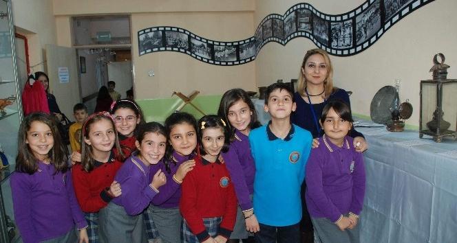 Yedieylül İlkokulu öğrencileri tarihi 'Müze Okul Eğitim Projesi'yle öğreniyor