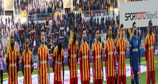 Kayserispor'da 12 haftada 20 oyuncu forma giydi