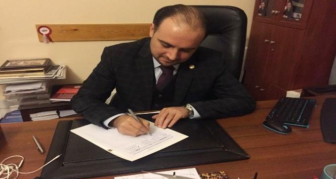 AK Parti'li Baybatur'dan anayasa teklifine imza