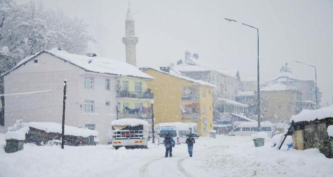 Tunceli'de kar çilesi başladı