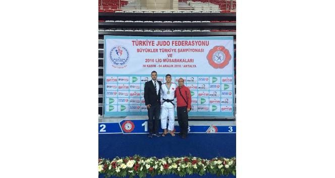 Manisalı Judo sporcusundan Türkiye derecesi