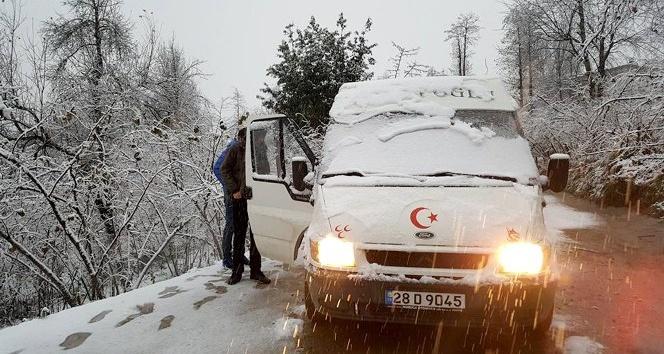 Giresun'da 66 köy yolu kar nedeniyle ulaşıma kapandı