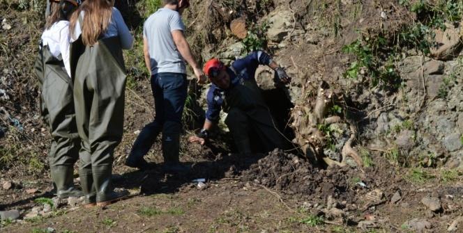 Şehrin göbeğinde 2 bin 500 yıllık mağara bulundu