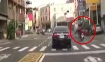 Motosiklet bisikletli kadına böyle çarptı
