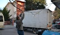 Avcılarda mahallelinin kablo çilesi