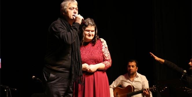 Cengiz Kurtoğlu'ndan engellilere moral konseri