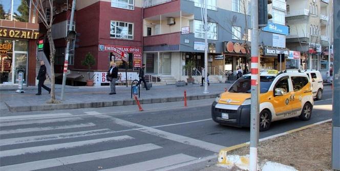 Diyarbakır'da kayyum engellileri kırmadı