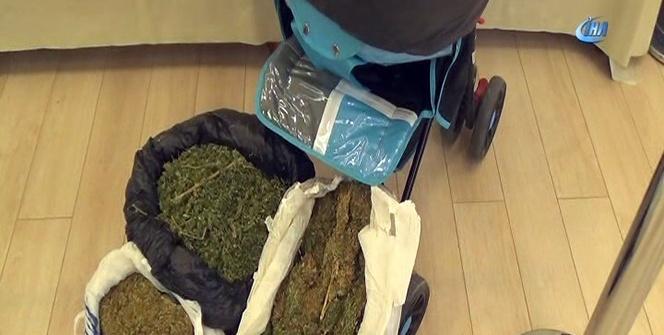 Bebek arabasıyla uyuşturucu satan şebeke çökertildi