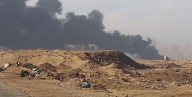 DEAŞ Musul'da petrol kuyularını yakıyor