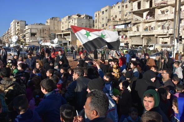 Halep'te tahliyeler durdu