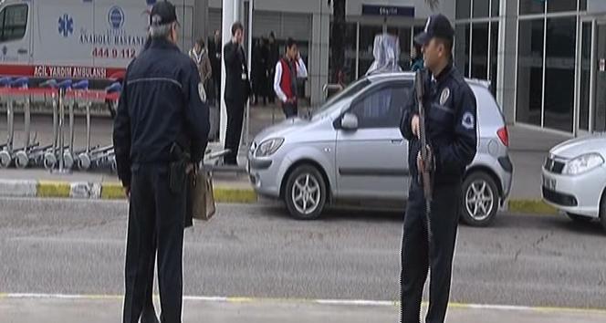 Son dakika haberleri/ Antalya Havalimanında bomba paniği
