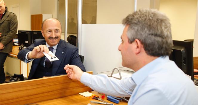 Başkan Altunay, çipli kimlik için başvurusunu yaptı