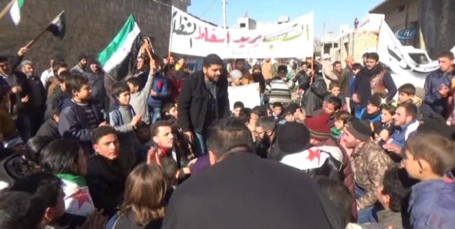 Suriyelilerden Esad protestosu