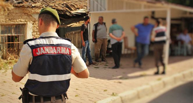Sosyal medyadan PKKyı övdü, jandarma yurdu bastı